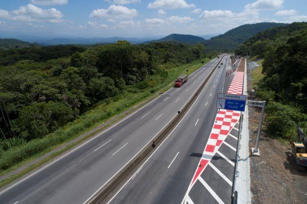 """Segurança viária Licitação dos pedágios do Paraná vai incluir """"rodovias que perdoam""""; entenda o conceito"""